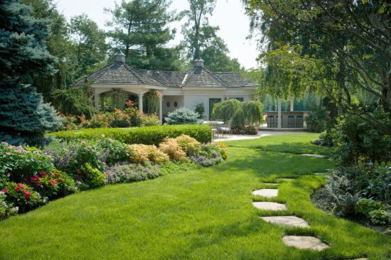 Garden Enhancement and Lawn Care