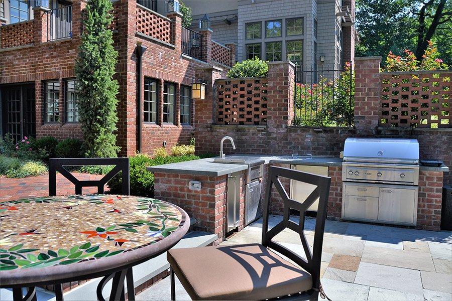 Custom Brick Outdoor Kitchen Design