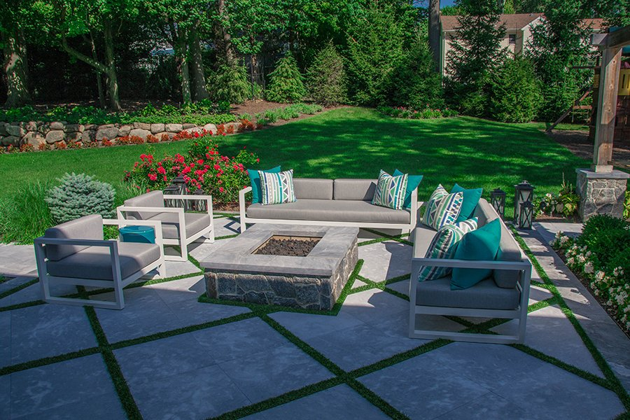Custom Fire Pit Design with Outdoor Furniture