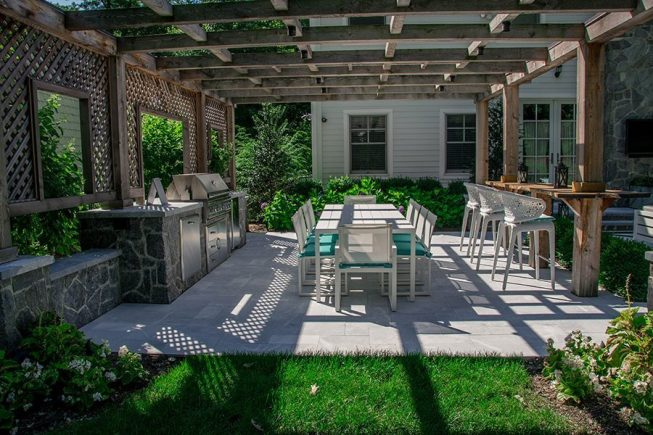 Outdoor Dining Room with Overhead Pergola