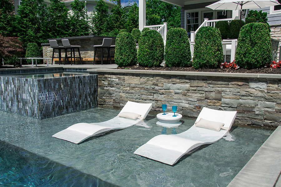 Tanning Ledge with Water Loungers
