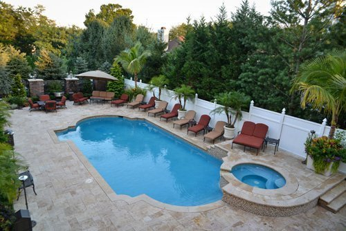 Incorporating A Pool Patio Design