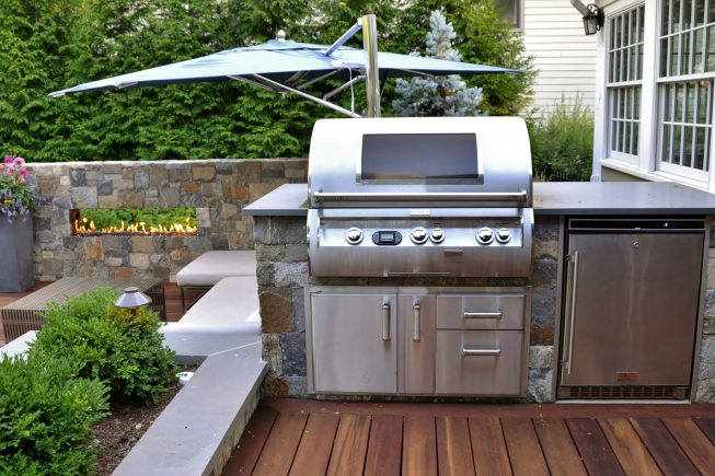 Outdoor Kitchen Compact Design
